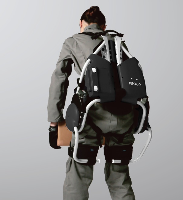 製品写真:パワーアシストスーツ ATOUN MODEL A